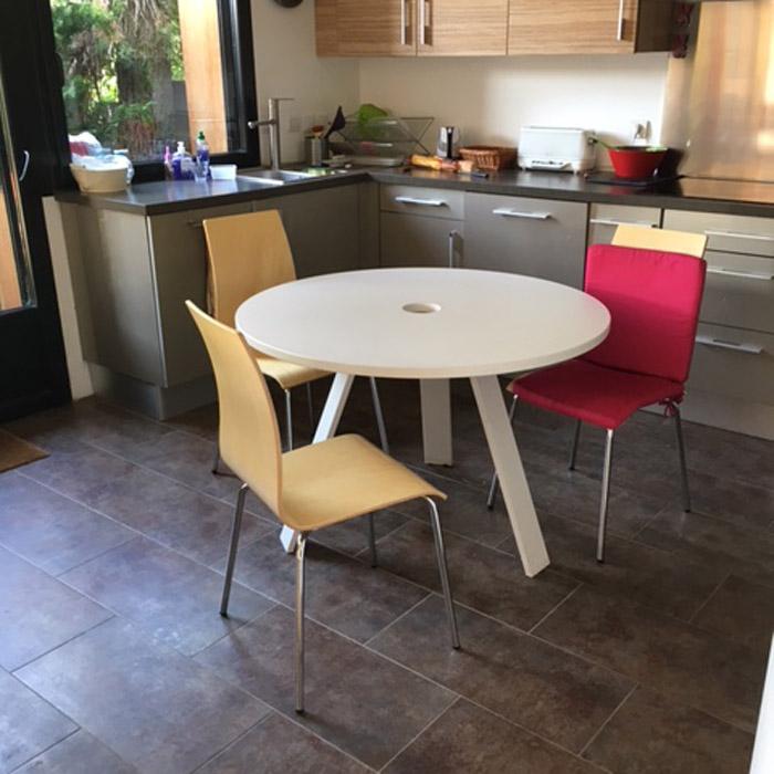 Chaise de salle manger espera en bois finition zebrano for Meuble zebrano